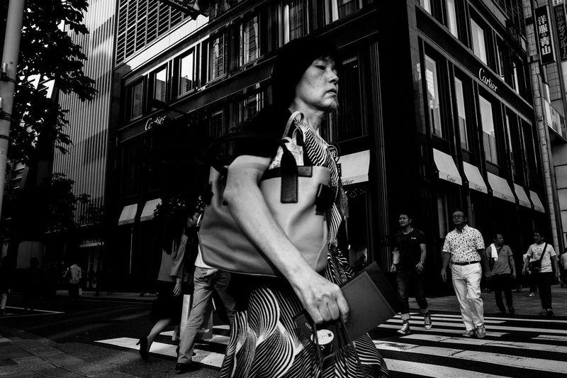 Tokyo Street Photography City Life Street Streetphotography Light And Shadow EyeEm Best Shots 35mm People Leicacamera Capture The Moment Blackandwhite Street Photography Monochrome