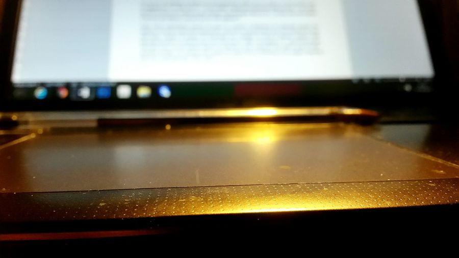 La vie étudiante, un joli mélange de joies et d'obligations ! Je reviens vers vous très prochainement pour une nouvelle publication sur ce qui a façonné ce que je suis aujourd'hui : Les Landes ! Work Working Hard Night Digital Communication Ads Computer Internet Socialmedia Working Man