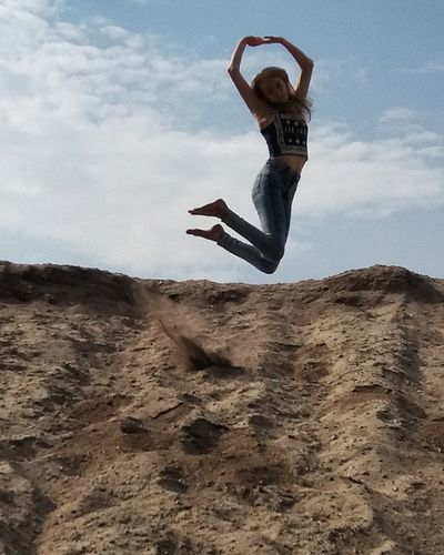 Sommergefühle Jumping Sky Energetic One Person Full Length Sand Mid-air Day Motion Outdoors People Adult Adults Only Real People Nature Young Adult