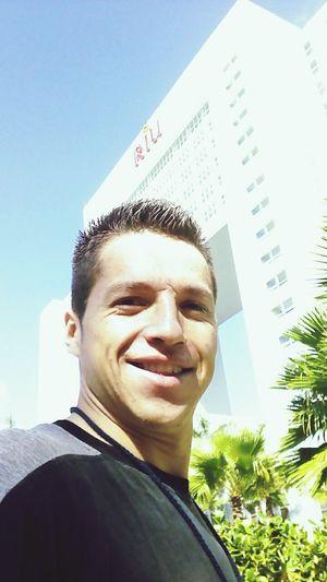 Holiday Smile ✌ Happy People Mi Mexico Cancun Hello World Workin Hard Ups No Es Viernes!!!!!!®®® Day5 Nice Atmosphere Enjoying Life