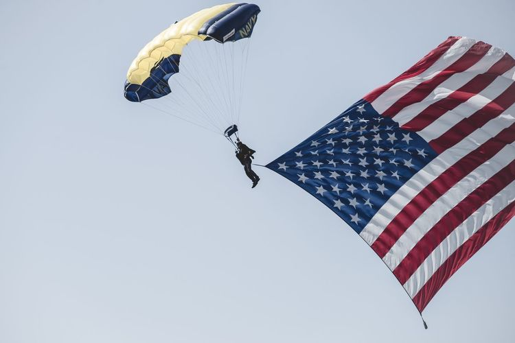 Happy Memorial weekend. Photography Colors Nikon Photooftheday Nikon D600 Sigma Nikonphotography Newphotographer Blue Red White USA America Skydiving Memorial Day Flag