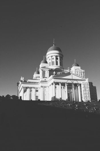 Helsinki,finland Senatesquare White Church Black & White Samsung Galaxy Note 4 Welcome To Black