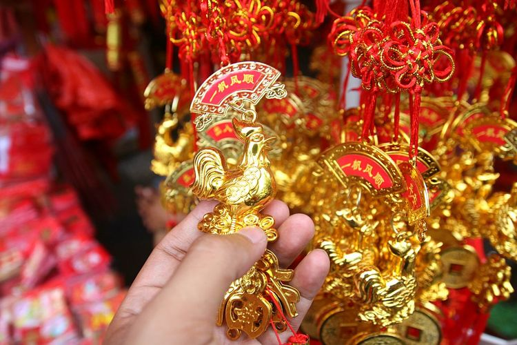 Lunar Eclipse Human Hand Human Body Part Focus On Foreground Chinese New Year Outdoors Close-up Cultures Red Imlek 2016 Market Day People Fingernail One Person