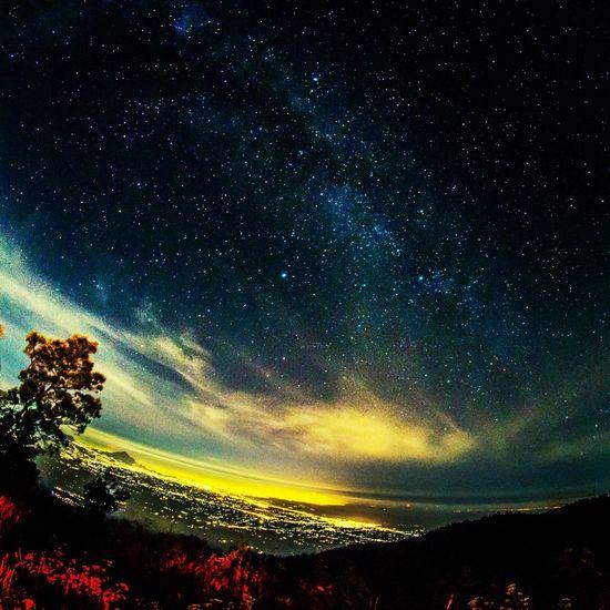 Taking Photos Under The Milky Way Night Sky Enjoying Life