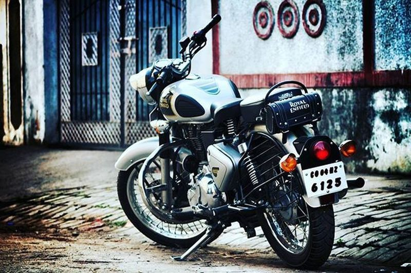 RE 💓 Royalenfield Classic 500 HDR Hdrnorge Detail_captures Automotivephotography Canon 1200D Canon_photos Canonphotography 300mm Photographyislife Instadaily Admin Photographybros