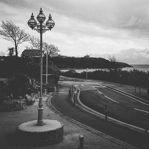 Princess Pavilion This Way ⬅ Falmouth Princesspavilion Sea Ocean Beach Blackandwhite Bnw Pretty Road Sky Clouds Town Blackandwhitephotography