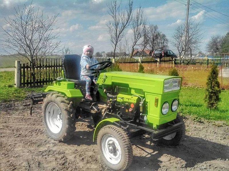 Помощница беларусь Природа весна доченька Belarus Nature Spring Daughter Girl Mobile Telephone