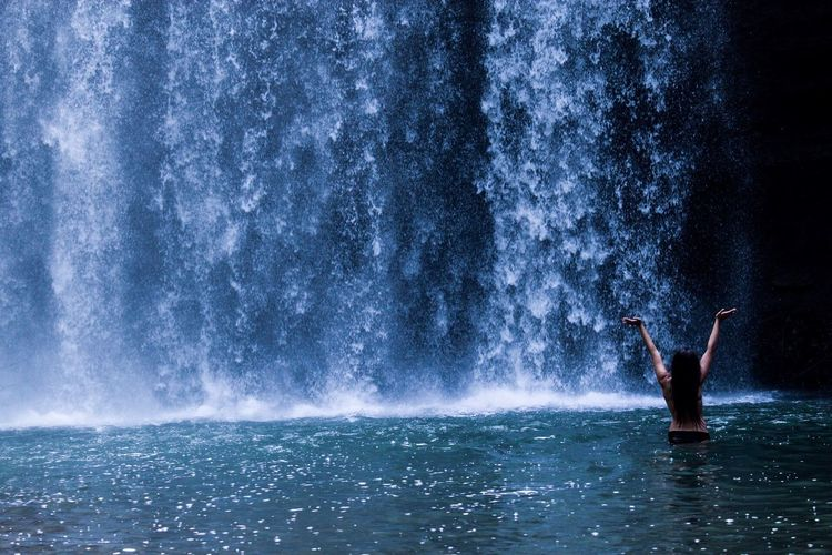 hiking leaves to waterfall pictures🐠💧 Canada CanonT6 Love Hanging Out Happiness Summer Bikini Nature Bluevibes Bestfriend Enjoying Life Adventure Waterfall Water One Person Men Splashing Lifestyles Go Higher Real People Outdoors Motion Beauty In Nature Enjoyment Fun Arms Raised Waterfront