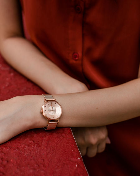 time Rose Gold Watch Wristwatch Time Human Hand Hand Wrist Instrument Of Time Human Hand Red Body Part Young Women Jewelry Women Close-up Checking The Time