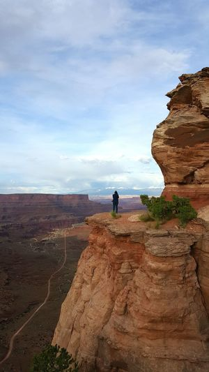 Vista View of the Canyon and the La Sal Mountains . Canyonlands National Park Utah . Hiking Views Landscape Hiking Adventures Travel Red Rocks