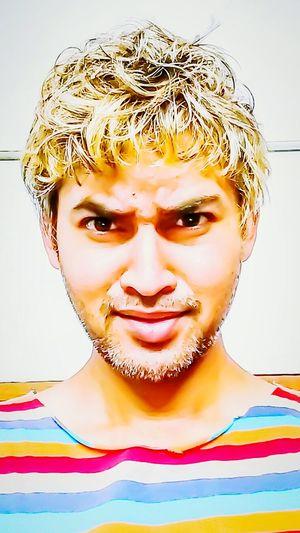 Selfi hot look golden hair...