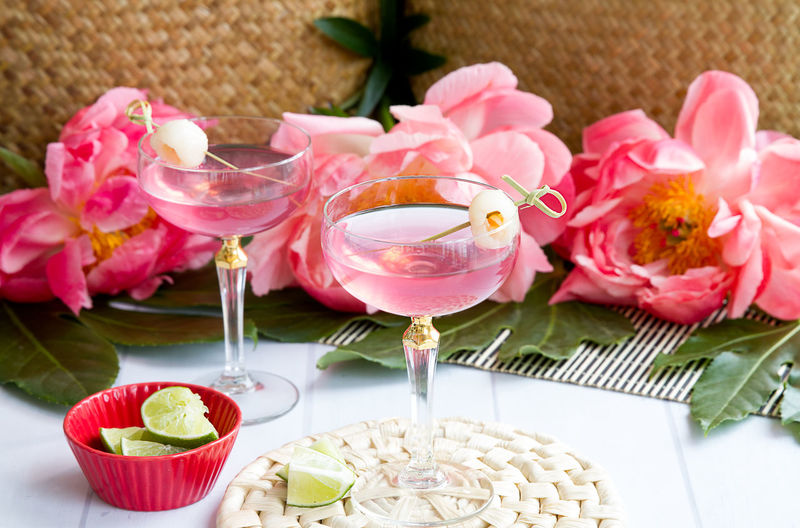 Cocktail Martini Pink Alcohol Craft Cocktail Drinking Glass Flower Indulgence Luxury Martini Glass Pink Color Pink Drink Place Setting