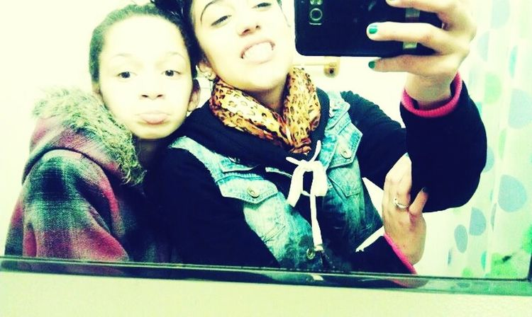 my favorite picture of me & MY baby SIS / bestfrandd ^.^