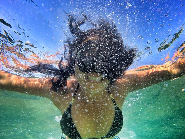 Underwater Swimming Water UnderSea Scuba Diving Bubble Underwater Diving Scuba Mask Sea Exploration Only Men One Person Snorkeling One Man Only Front View Adventure Adults Only People Nature Men Live For The Story The Portraitist - 2017 EyeEm Awards