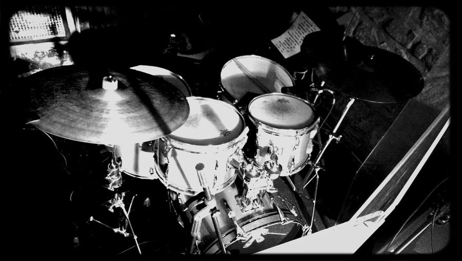 """grup efedefunk, drum kit. Live Music Drums Drummer Eye For Photographyremo aqualite, 10""""12""""14""""18"""""""