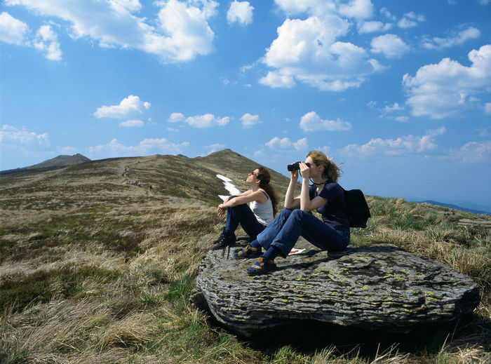 Adventure Bieszczady Binoculars Looking Throug Binoculars Mountain Mountains Poland Polen Polonina Carnska Polonina Wetlinska Rest Stone Tourism Touristic Turistic Two Two Women Woman