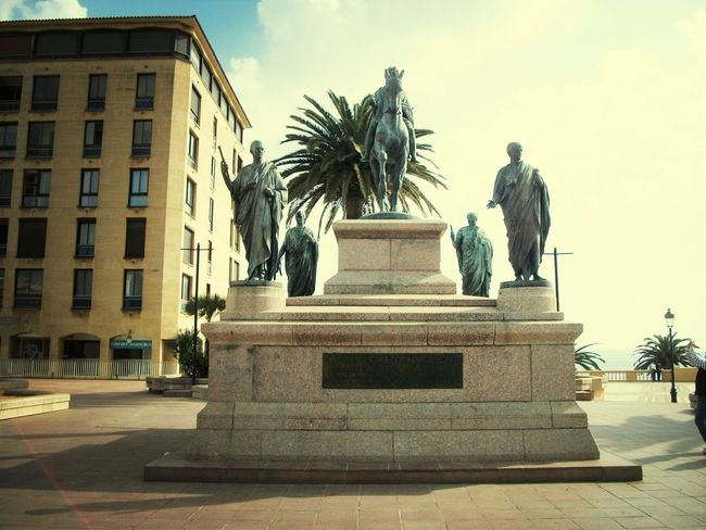 Monumento a Napoleone Napoleon Ajaccio Corse Urban