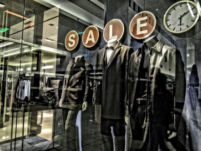Time is flying Sale Reflection Storephotography Mannequins Time Reduced Storewindow Decoration Fashion Storewindow Store Decor