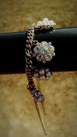 Es gibt nur eine Kette, die uns gefesselt hat, die Liebe zum Leben Loveyourlife Jewelry ThinkAboutIt ❌