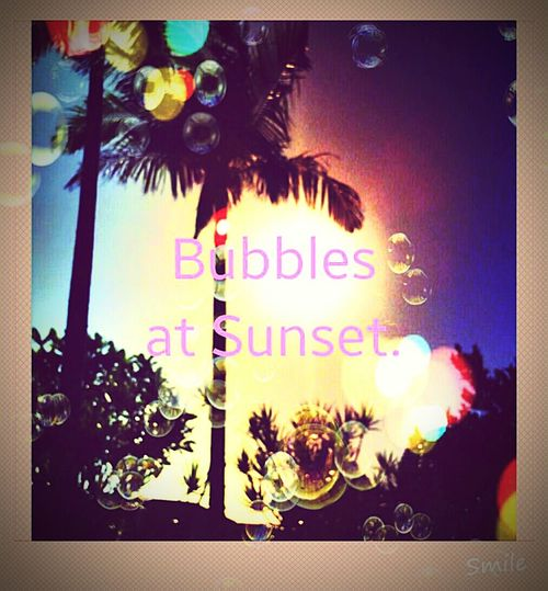 Blowing Bubbles :) Sunset Relaxing Colourful Bubbles Beautiful Nature Old Fashion Style Funtimes Autumn Sun Orbs
