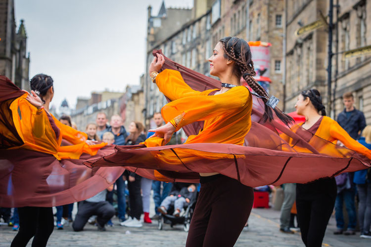 Spin #urbanana: The Urban Playground Canon5Dmk3 Dance Edinburgh Edinburgh Fringe EyeEmNewHere Fun People Watching Scotland Action Activity Adult Canon Canonphotography City Crowd Culture Festival Group Of People Leisure Activity Lifestyles People Real People Togetherness Urban