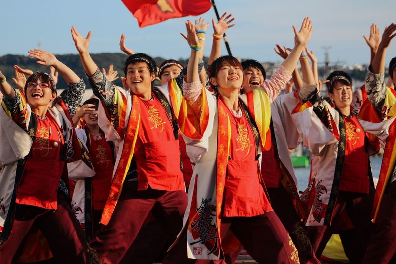 Dance Group Of People Real People Crowd Arts Culture And Entertainment Celebration Large Group Of People Dancing Arms Raised Women Emotion Togetherness Event Happiness Music Standing Festival