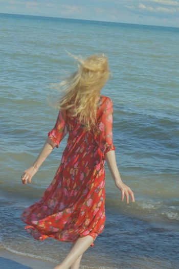 Be free. With the permission of @juliaharris. Long Hair One Person Blond Hair Water Fun Leisure Activity Red Outdoors Lifestyles 100 Days Of Summer EyeEm Meet Up 2017. Linde Shores Conservation Area Whitby. Whitby Ontario Canada . Breathing Space Connected By Travel Visual Creativity
