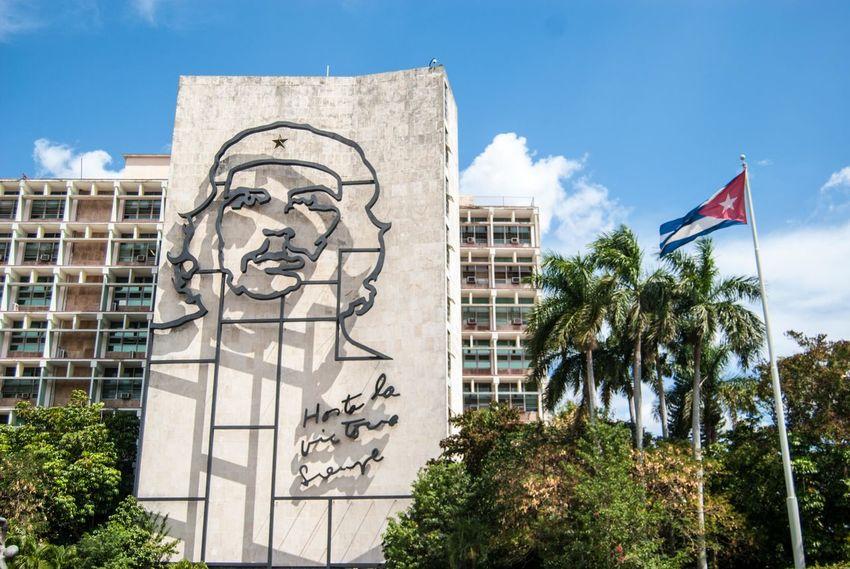 Building Exterior Che Guevara Che Guevara Memorial City Clear Sky Cuba Cuban Flag Havana Outdoors Plaza De La Revolucion Revolution Sky