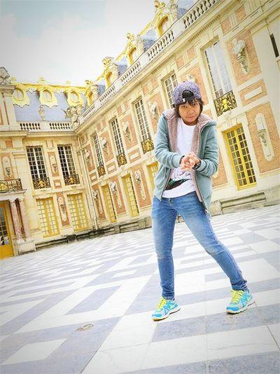 Am I .... LOL. 👆 Versailles France Travel Me Selfportrait