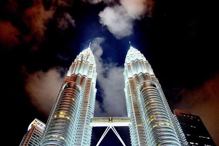 Petronius Towers