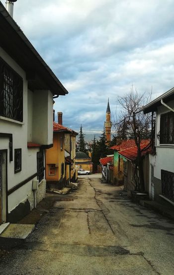 Odunpazarıevleri EyeEm Best Shots Colorful EyeEm Nature Lover City Old City Day Mosque House Sky Architecture Building Exterior Built Structure Cloud - Sky Storm Cloud Residential Building Lightning Building Residential District Dramatic Sky Residential Structure