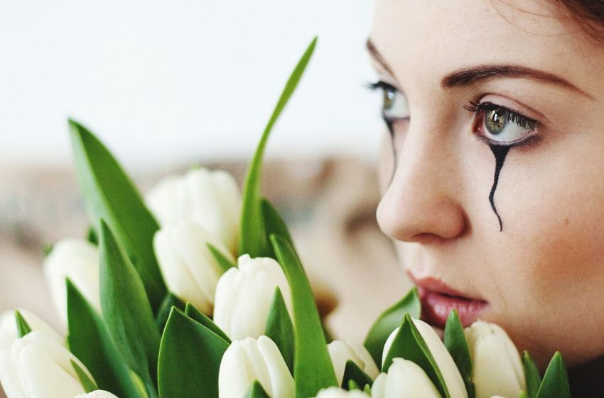 Natural Light Tulips Models Sad Real Photoshoot Experience The Portraitist - 2015 EyeEm Awards