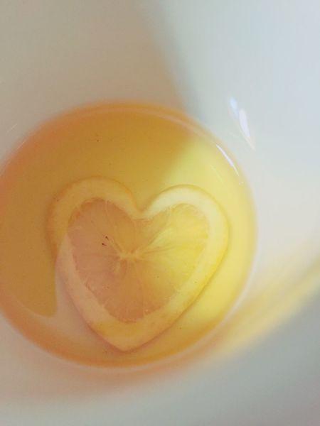 2016.08.13 FLOAT LEMON TEAなのに浮かなかった IPhoneography Iphonephotography Teatime Tea Tea Time Heart 瀬戸田ハートレモン Lemon Lemontea Yellow レモン