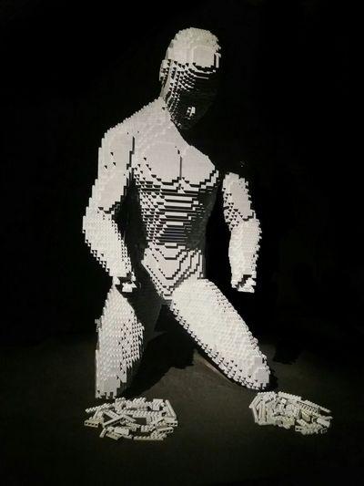The Art Of The Brick Without Hands LEGO Lego Sculpture Museum Oca Ibirapuera Oca Art Sculptures Art Lego Art Brazil