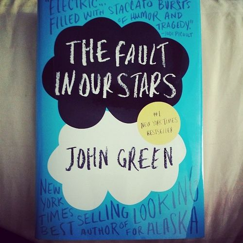 Excited to read this book, before the movie comes out! Thefaultinourstars Johngreen