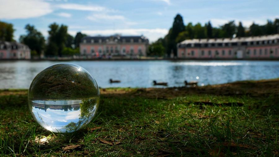 Lumixg81 Snapseed SchlossBenrath Düsseldorf G81 Panasinic Glasskugel Natuere Photos Natur Panasonic  Panasonic G81 Lumix G81 Nature Photography Schlosspark Düsseldorf Benrath Sonne Wasser Water Tree Reflection Crystal Ball River Sphere Sky Close-up Architecture Grass Glass - Material Transparent