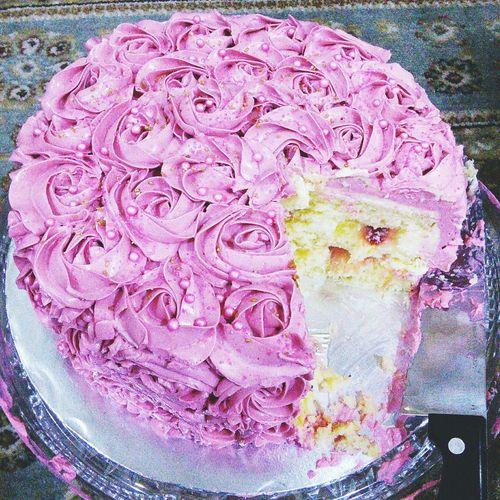 amazing cake of deliciousness In My Mouf Lemon Strawberry Cake Zesty Amazing Food
