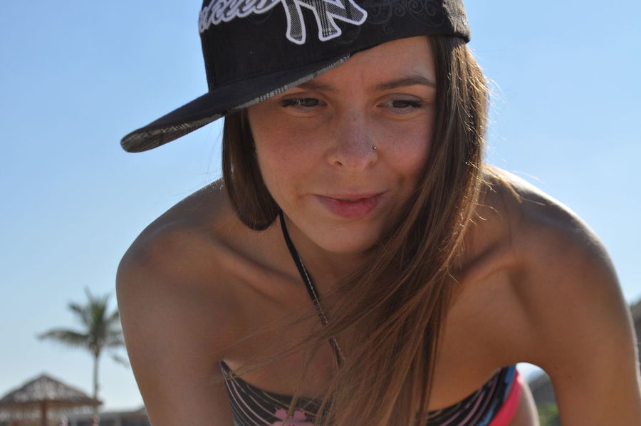 Palm Yankees Beach Beautiful Woman Cap Close-up Day Focus On Foreground Front View Headshot Leisure Activity Looking At Camera One Person Outdoors People Portrait Real People Sky Smiling Young Adult Young Women