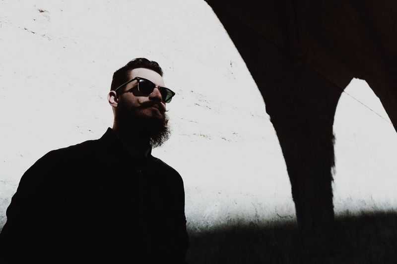 RayBans® Eleven Paris Sony A6000 Avignon Avignontourisme Streetphotography Sonyalpha Outdoors One Man Only Barber Barbu Barberlife Headshot Portrait Portrait Photography Day Human Body Part ILoveMyJob Frenchphotographer Theyom Photooftheday Mode Shooting French