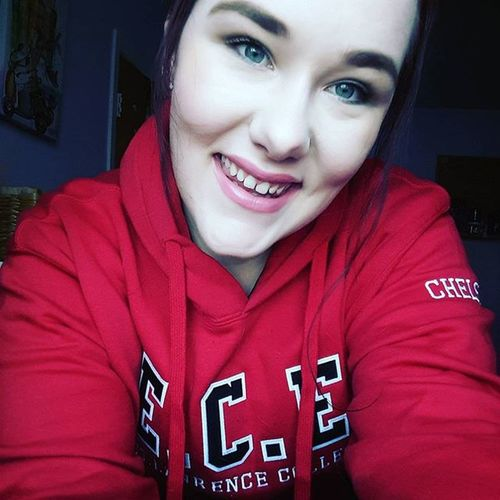 On the way to work...rocking my new school hoodie😆 Serverlife Serverlife Restarauntlife Restaraunt Studentlife  Proudtobeslc Slc Stlawrence Motd Prettygirl Smilesfordays Photooftheday Urbandecay Udsmoky First Eyeem Photo