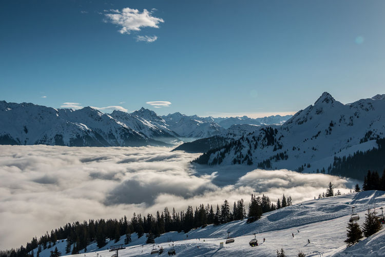 Snow on the top of the mountains and fog down the valley Schnee Skiing Skiing In Austria 👌 Wintersport Wintersportgebiet Berg Gebirge Mountains Ski Ski Fahren Skigebiet Snow Wintersportarea Wintersportregion Wintersports