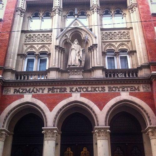 Ig_europe Insta_bp Instahun Ikozosseg ipnoheonly Hungary Budapest Szentkirályiutca beautiful university mik mik school PPKEJÁK ppke picsoftheday photooftheday csakaPázmány law lawisintheair 📚🎓
