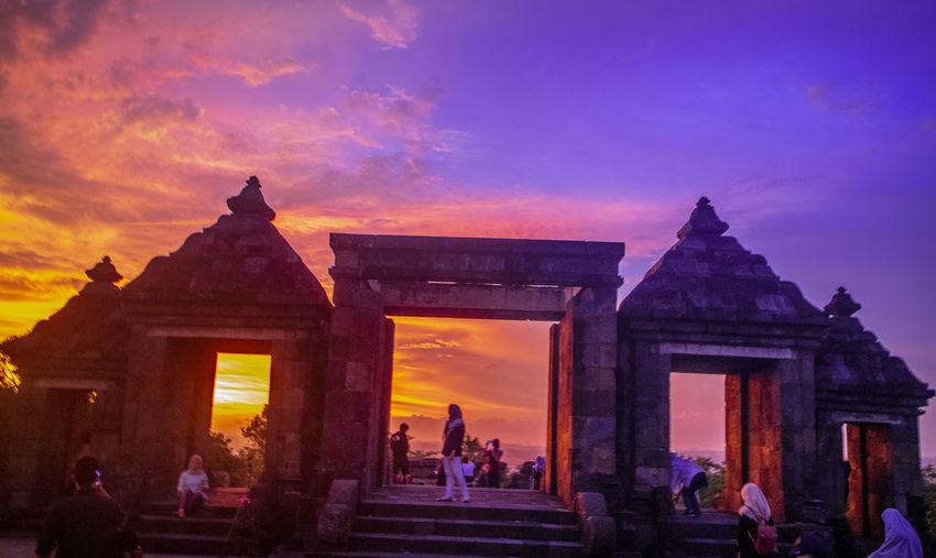 Sunset in Ratu