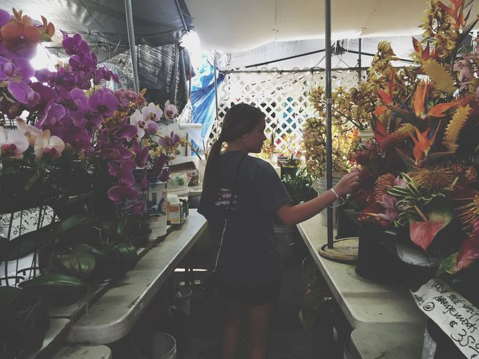 We found a flower shop in the market today:) Market Hawaii Spring Break Sun Flowers