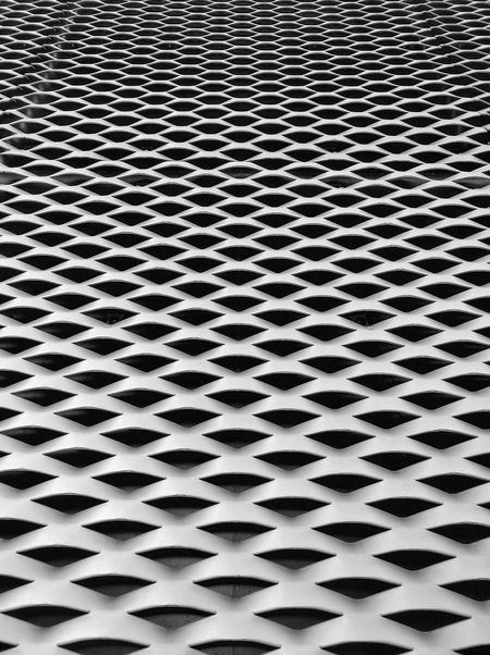 Full Frame Pattern Backgrounds Textured  Железо решетка Textures And Surfaces Textured  Texturestyles Metal Structure Metal Textures Metal Textured Black And White Photography Black And White Collection  SHAKURNTM Belgium. Belgique. Belgie. Belgien. Etc. The Graphic City