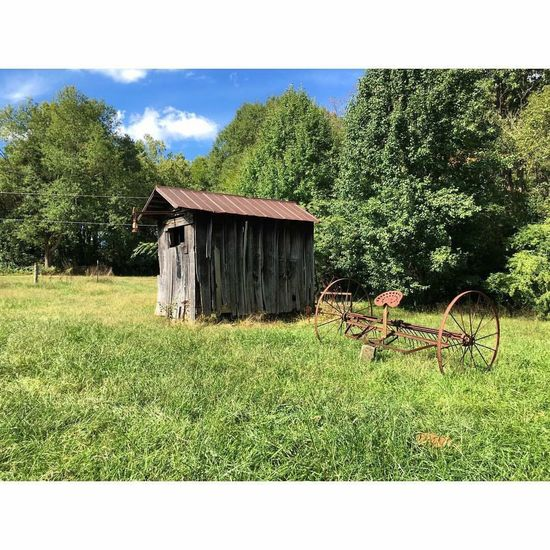 Built Structure Grass Landscape Rural Scene Countryside Nature Tranquil Scene Field Tranquility Solitude Taylorssouthcarolina Greatergreenvillesc Yeahthatgreenville Barn Plow Antique Rustic IPhoneography Couchsurfing October2015 Portfolio Building Exterior