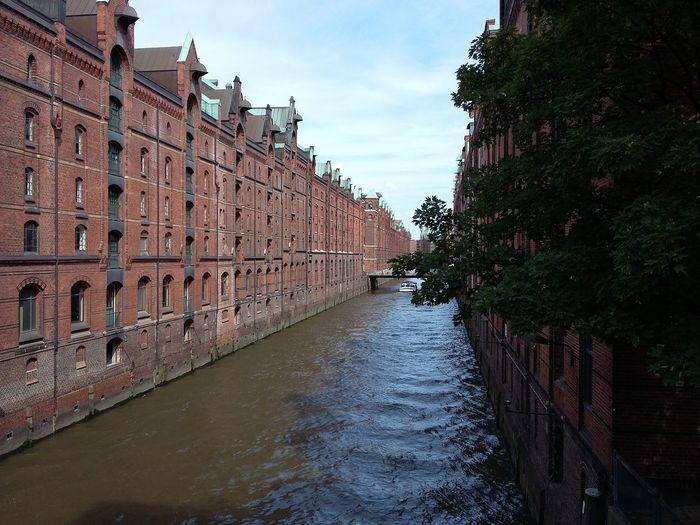 Hamburg Speicherstadt. · Germany 040 Hamburgmeineperle Architecture Iconic Buildings Red Bricks Tourist Spot Summer Is Coming The Purist (no Edit, No Filter)