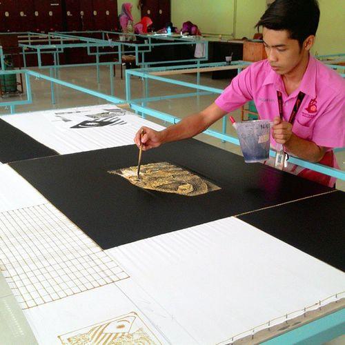 Projek rekaan KemejaLELAKI TemaWARISAN Semester5 Black &white