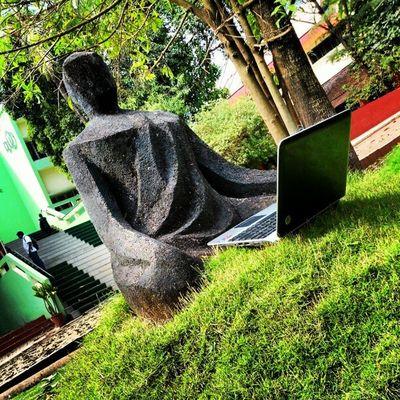 Techguru :p Irix2012 Dmodar Statue Outdoors laptop