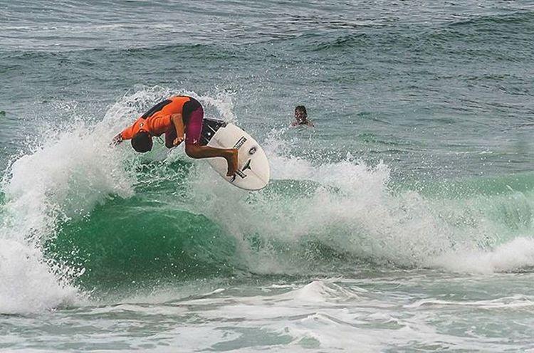 @joaochumbinho mandando ver nas ondas da prainha Prainha Riodejaneiro Surfing Surferphotos Surf Nikon Nikonphotography Nikon_photography_ Mynikonlife Beach EyeEmBrasil EyeEm Gallery Surfingphotography Surf Life Showcase: January